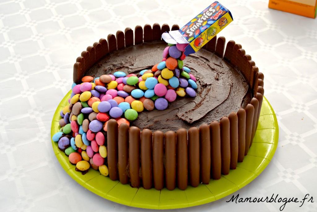 Le g teau damier suspendu ou gravity cake mamour blogue for Decoration gateau m m s