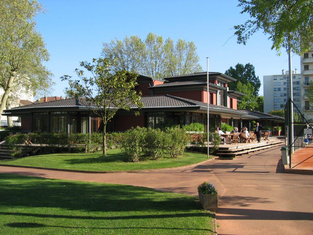 Villa2005